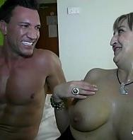 VerMature Power Blonde Milf Maria Gets Banged By Mr Marco Banderas In Her Hotel (Español) [flash] online (descargar) gratis.