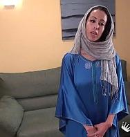 Ver Nayara The Arab Girl's Beginnings In Porn Are Much Dirtier Than You Could Imagine (Latino) [flash] online (descargar) gratis.